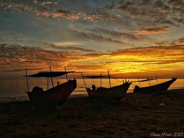 silhouette & beach scape