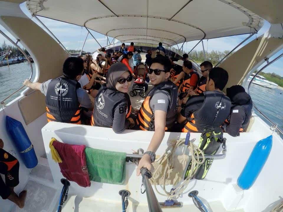 naik-speedboat
