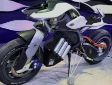 Yamaha Unveils the MOTOROiD With AI System in Tokyo.